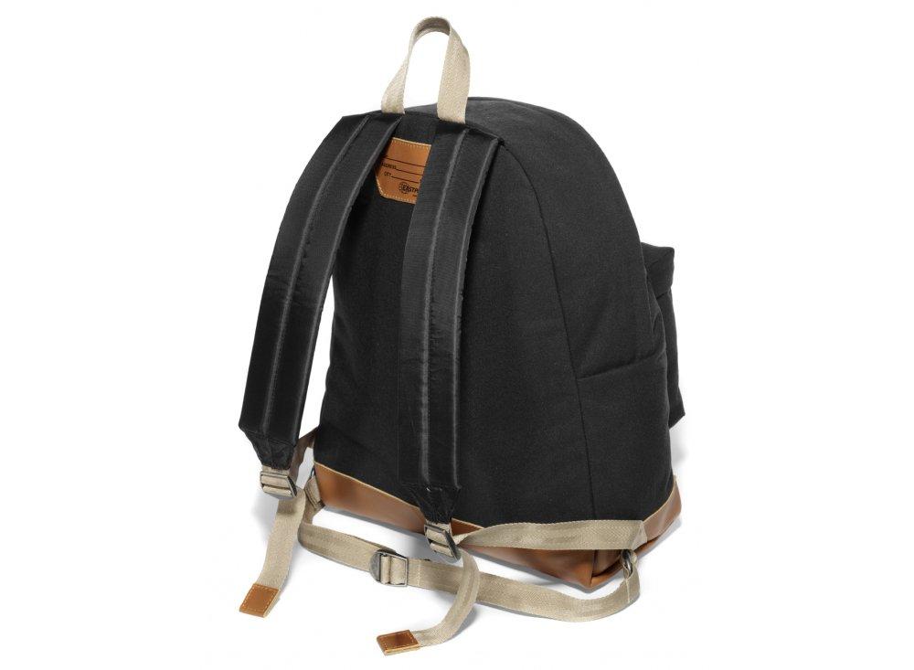 eastpak padded pak 39 r rucksack returnity black bag shop from iconsume uk. Black Bedroom Furniture Sets. Home Design Ideas