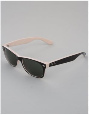 Ray-Ban New Wayfarer Sunglasses - Top Black on Beige // Crystal Green